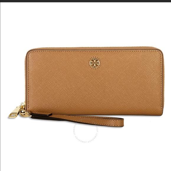 Tory Burch Handbags - Tory Burch Perry ZIP Continental Wallet